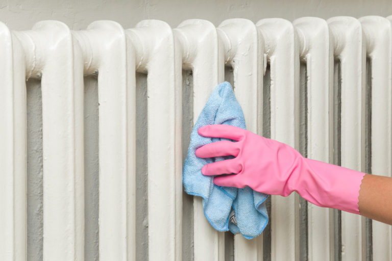 Radiátor tisztítása 8 lépésben – Ezért fontos a fűtőtest takarítása