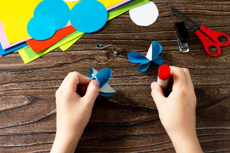 A hétvége DIY projektje: papír pillangó