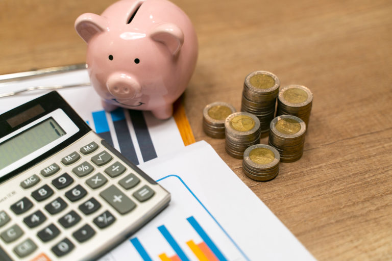 Fókuszban a spórolás – Ezek a leghasznosabb pénzmegtakarító tippek a háztartásban
