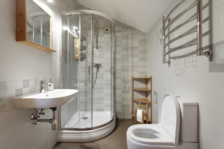 Kicsi fürdőt kell berendezned? Itt a 7 alapszabály hozzá