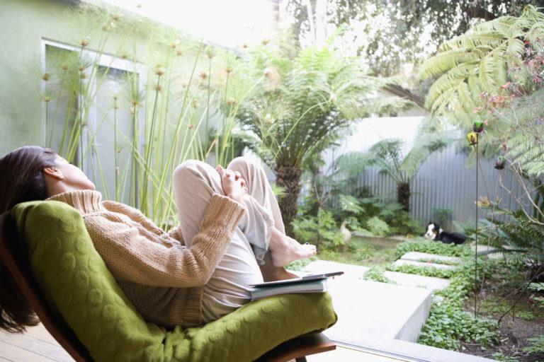 Kertrendezési tippek a rovarmentes pihenéshez