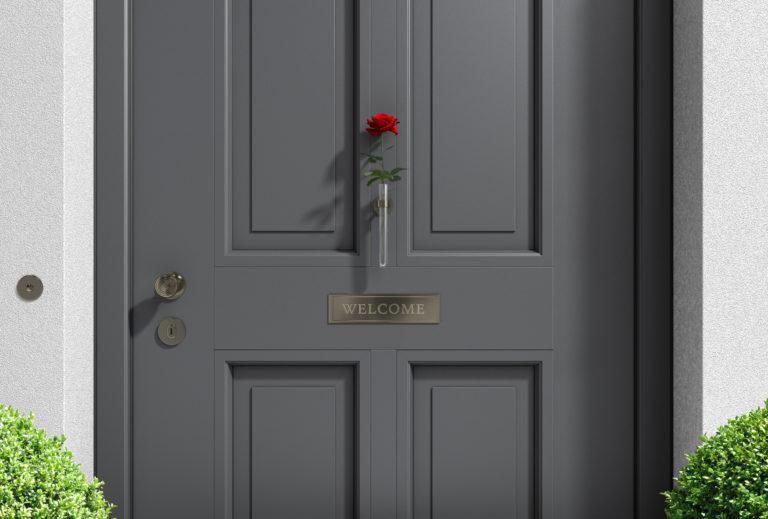 A stílusos belépő jegyében – 5 szuper (könnyű) dísz a bejárati ajtóra