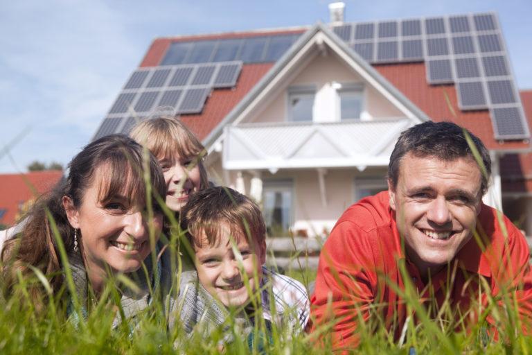 A napelem szíve – Hogyan válasszunk invertert?