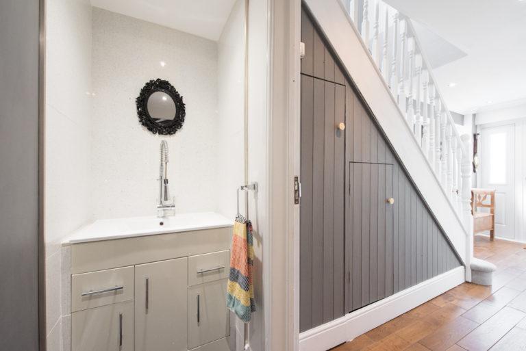 Beépített szekrény a lépcső alá – Ezekkel a megoldásokkal több tárolóhelyed lesz