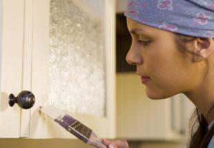 Fesd le a konyhabútorod ajtajait – Így kell helyesen csinálni
