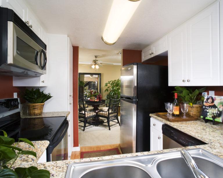 Kicsi a konyhád? – Itt vannak a legpraktikusabb ötletek hozzá