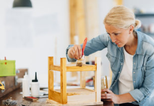 Unalmasak a bútoraid? 5 tipp a gördülékeny bútorfelújításhoz