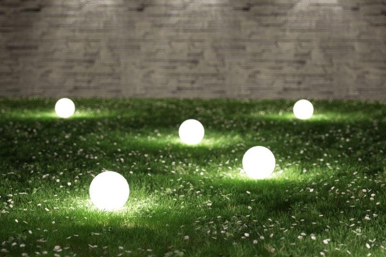 Kerti világítás – 4 olcsó és könnyű DIY tipp a trendi udvarért