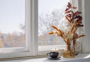 Ablakdekoráció – Tippek, hogy jól mutasson az ablakod és környéke