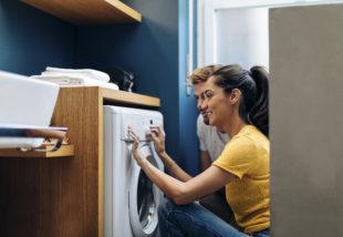 Ezért öntsünk mostantól szájvizet a mosógépbe