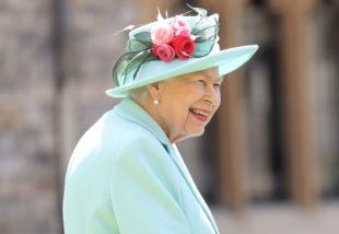II. Erzsébet királynő megnyitotta gyönyörű rózsakertjét – 40 évig kellett várni rá