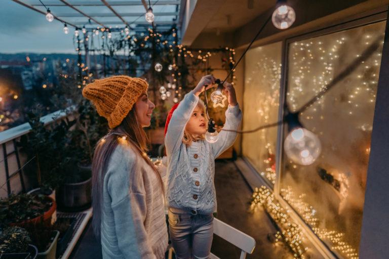 #Karácsonyi készülődés 12. – Ilyen egy ünneplőbe öltöztetett terasz