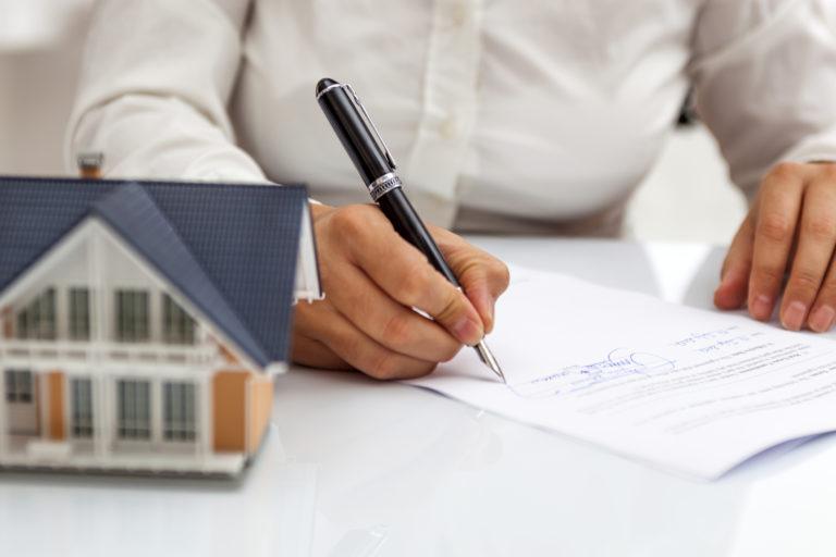 Lakáshitel átvitele másik ingatlanra – Nézzük, mit kell tudni róla!