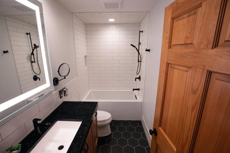 Mini fürdőszoba berendezése 8 egyszerű, de nagyszerű tippel