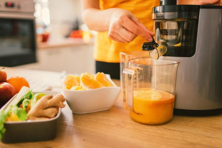 Mutatjuk, milyen gyakran és hogyan kell szakszerűen tisztítani a narancsprést