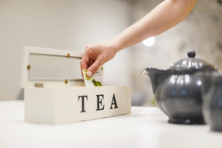 Ne dobd ki a leforrázott teafiltert! – Íme, 4 szuper trükk, amire felhasználhatod