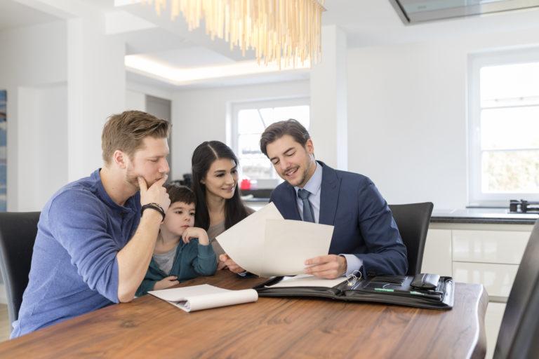 Hogyan ismerd fel a profi ingatlanközvetítőt?