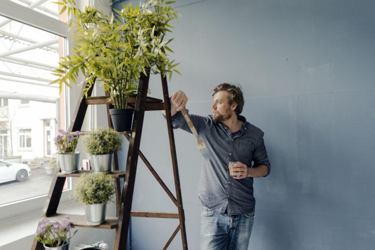 Csináld magad virágtartó létrából – Egyszerű, ám egyedi megoldás
