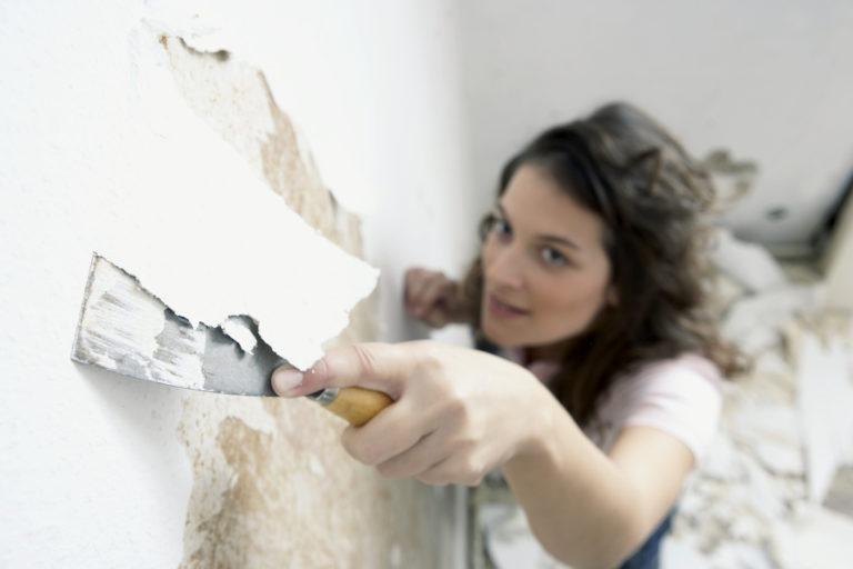 Fal javítása festés előtt – Így gletteld ki a hibákat