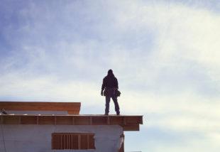 Tetőfelújítás – Miért és mikor érdemes rá beruházni?