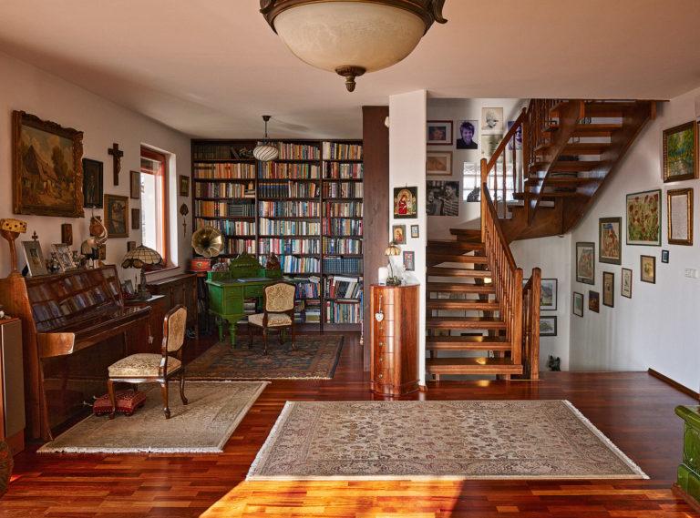 Mesélő falak között – A függönymentesség luxusa