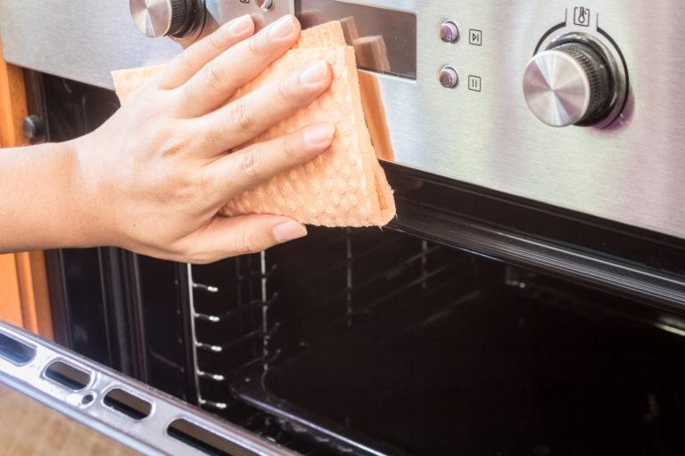 Így tisztítsd ki alaposan a sütőt – Mutatjuk, milyen gyakran és hogyan csináld