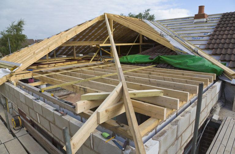 Tetőtípusok csoportosítva – Melyikről mit érdemes tudni?