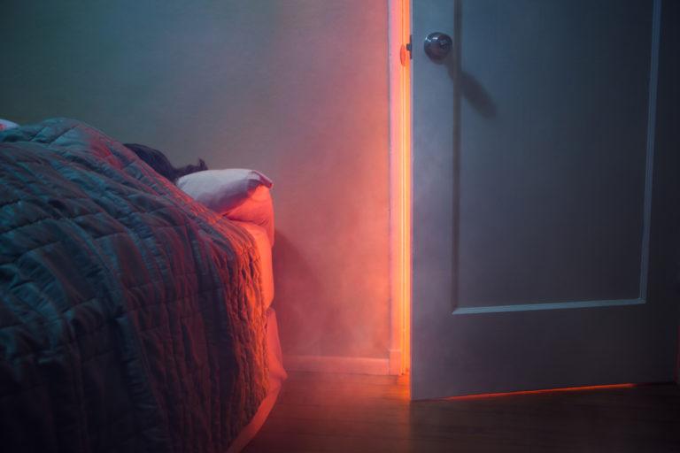 Ezért csukd be MINDIG a hálószobád éjszaka