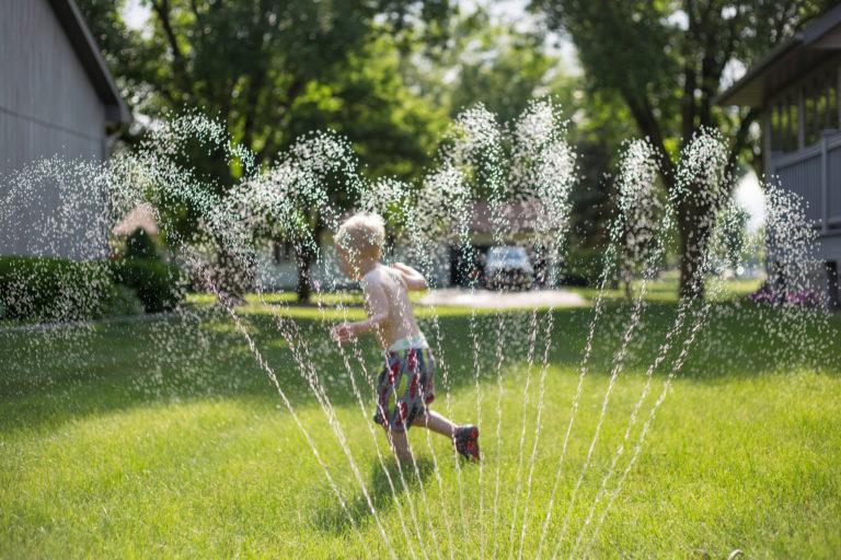Elég vizet kap a fű? Ezekkel a trükkökkel ellenőrizheted